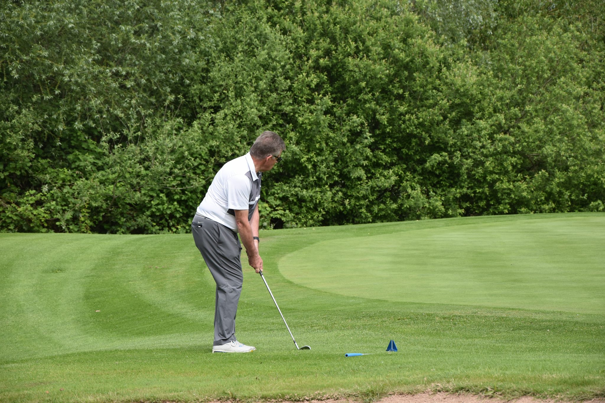 Golf-Chip-Loch13-Neuhof